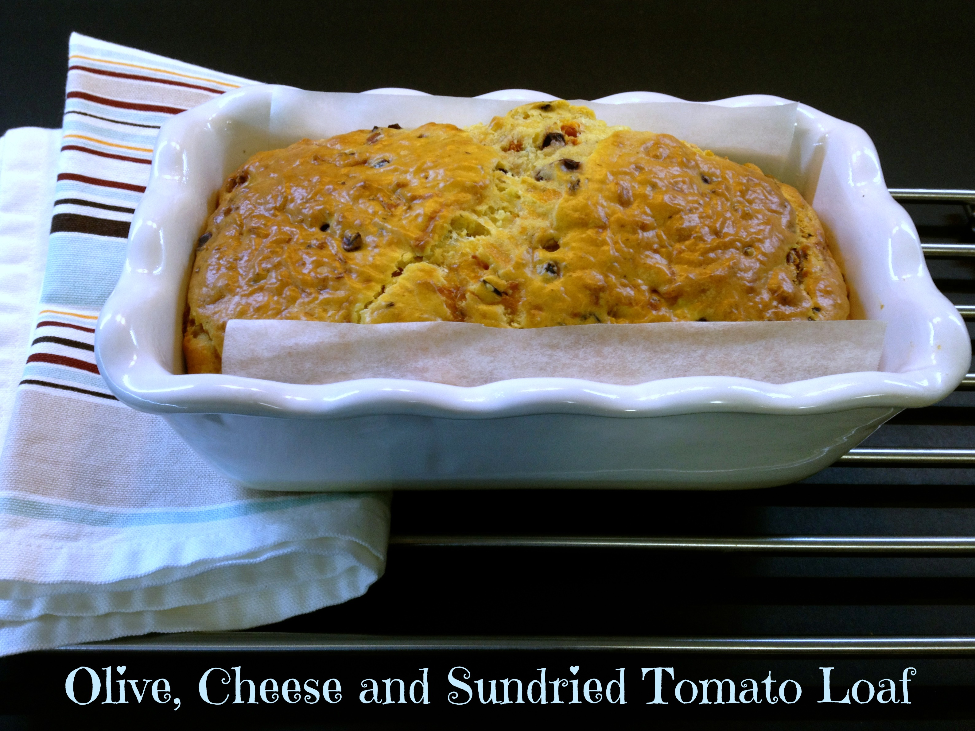 Olive, Cheese and Sundried Tomato Bread | Kitchen Therapy